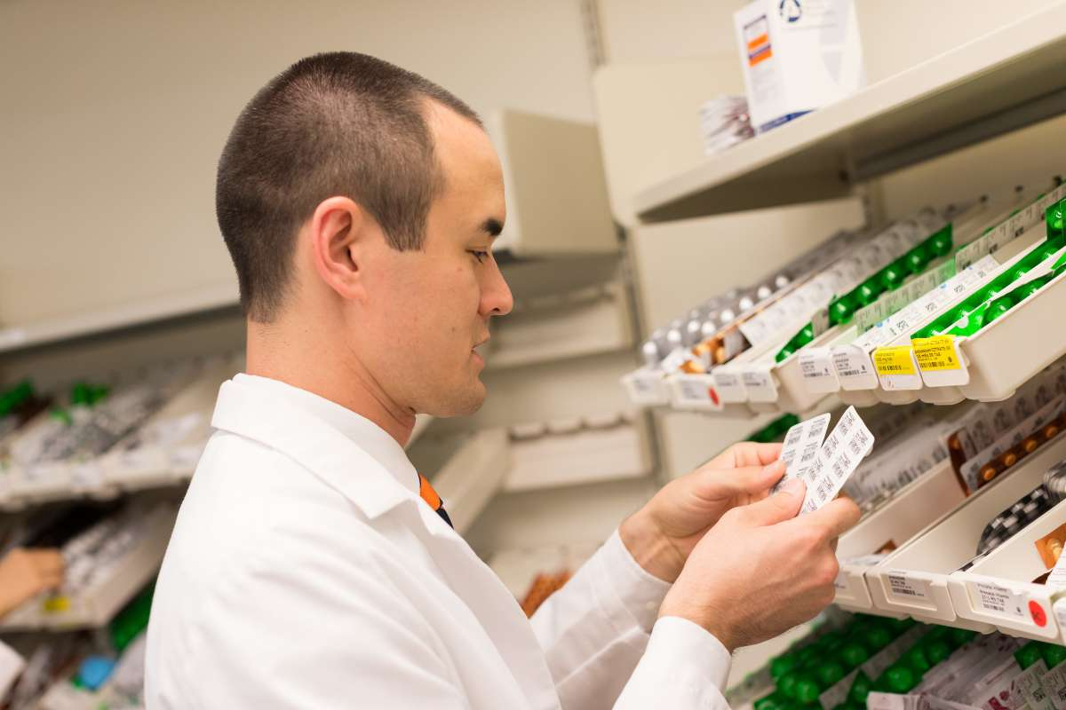 College of Pharmacy students working in the UF Health Pharmacy.